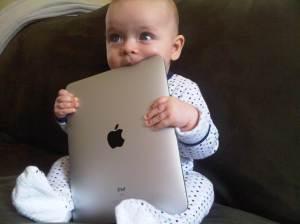 baby-with-ipad1