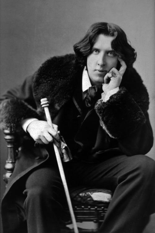 Oscar_Wilde_portrait[1]