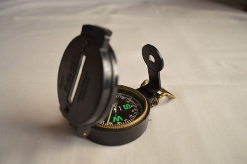 size adjusted.122-engineer-compass